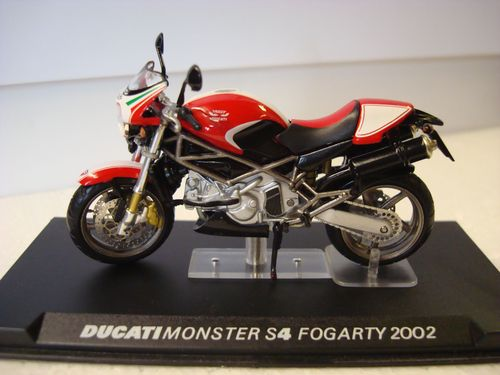 Monster S 4 Carl Fogarty  2002