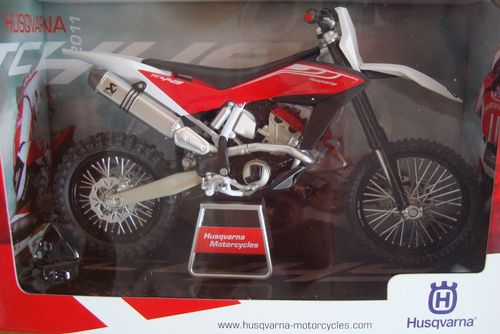 TC 449 CROSS 2011