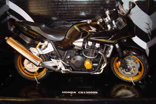 CB 1300 Super Four Touring goldene Felgen