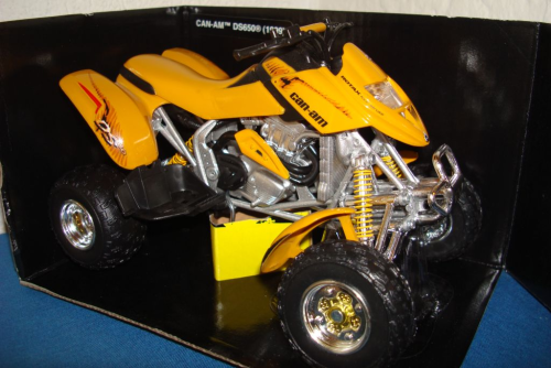 Can Am Bombardier 1999 gelb DS650